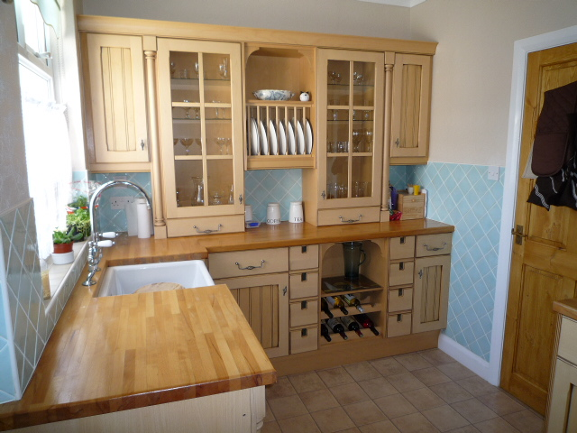 Carisbrooke Self Catering Holiday Cottage Style Bungalow In Seaton Devon
